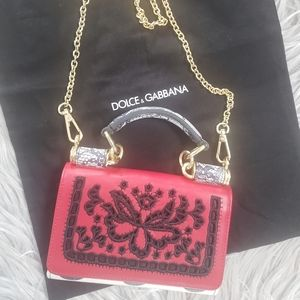 100% Authentic  Dolce & Gabbana wallet on chains